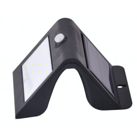Solar Battery Wall Lamp 3W Smart PIR & Light Sensor